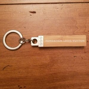 FONDATION LOUIS VUITTON PARIS BUNDLE